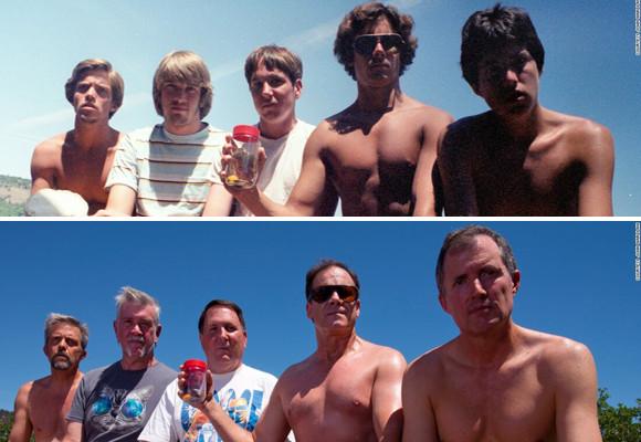 高校時代からの仲良し5人組が5年おきに35年間、同じポーズで写真を撮り続けた(アメリカ)