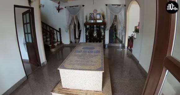 gravestone5_e