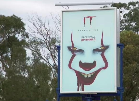 子供が怖がるから撤去して!映画「IT / イット」のポスターに苦情続出(オーストラリア)