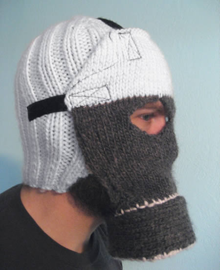 a96963_a596_10-knitted-gas-mask