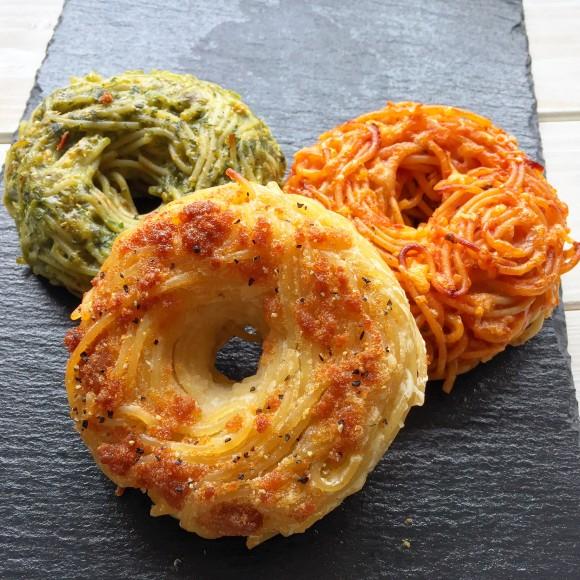 ファストフード感覚でパスタを食べたい?ならこれだ。パスタをドーナツ型に閉じ込めたパスタドーナツの作り方【ネトメシ】