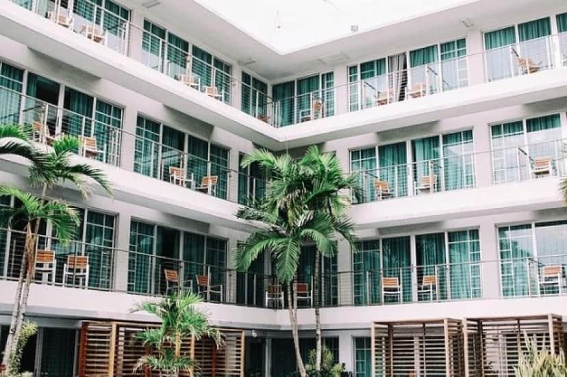 hotel-1209021_640_e