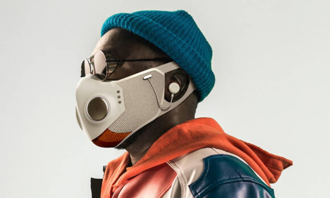 スーパーヒーローの衣装デザイナーが手掛けたハイテクマスク