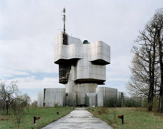 Spomenik_02