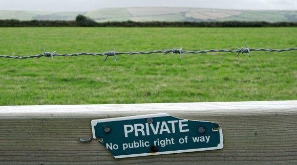 private-1665019_1280_e
