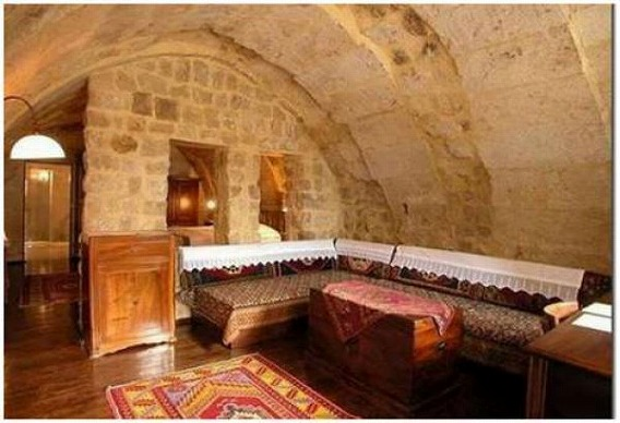 a_cave_hotel_640_10