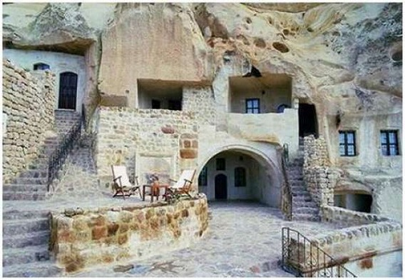 a_cave_hotel_640_08