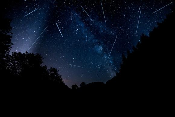 今年は好機!三大流星群の一つ「ペルセウス座流星群」がやってくる!願い事を用意して12日は夜空にロックオン!