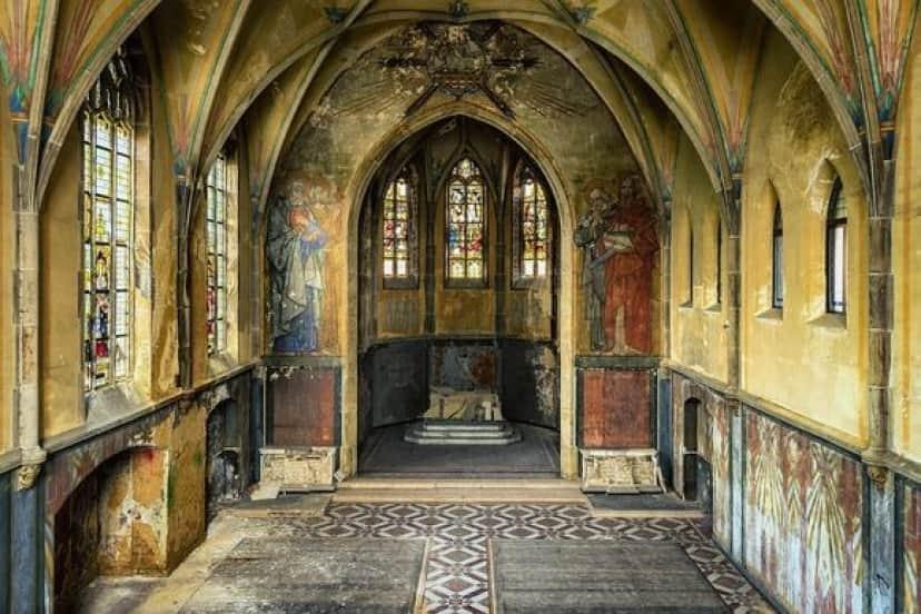 empty-church-_pixabay
