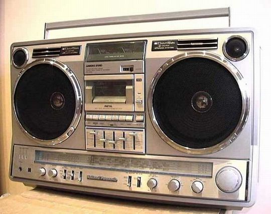 old_school_boomboxes_17