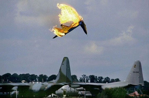 fascinating_pilots_ejections_640_28