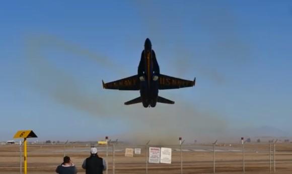 通り過ぎてからも凄かった!戦闘攻撃機が超低空飛行後急上昇するとどうなるのか?こうなった。