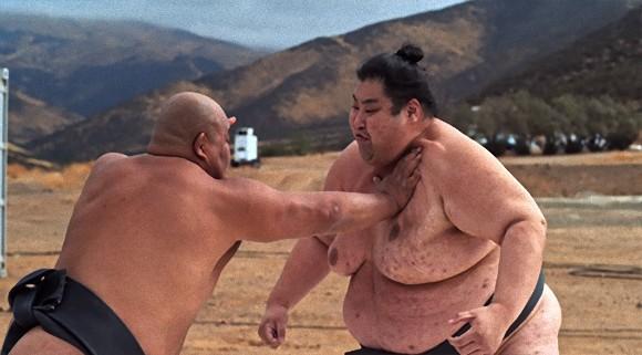 どすこいしたら震える。相撲レスラーの肉弾戦をスーパースローモーションで高画質で撮影した映像