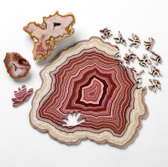 鉱物・イズ・ビューティフル!メノウの持つ美しい模様をモチーフに作られたジグソーパズル