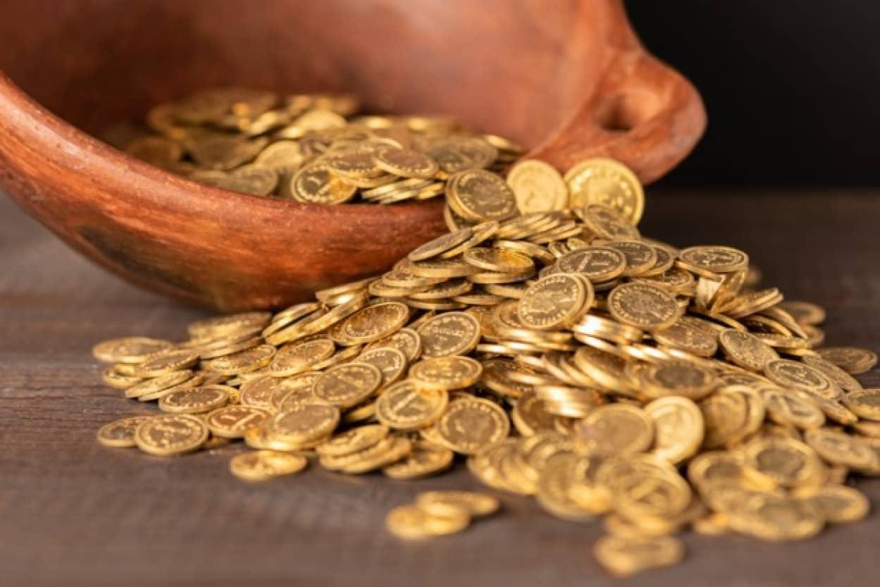 お宝発見、バードウォッチャーが大量のケルトコインを見つける