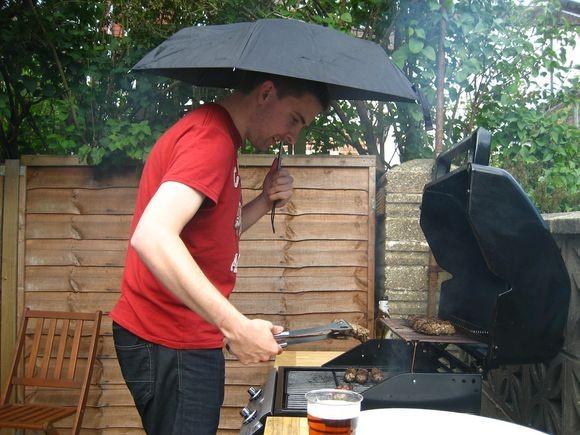 BBQ_rain