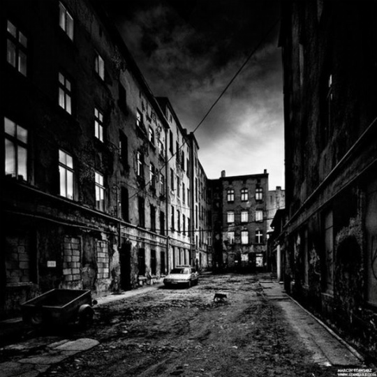 urban_decay_photography_22