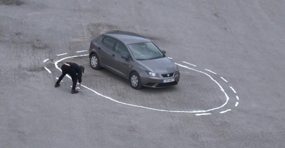 自動運転車に罠をしかけてみた。こうなった。