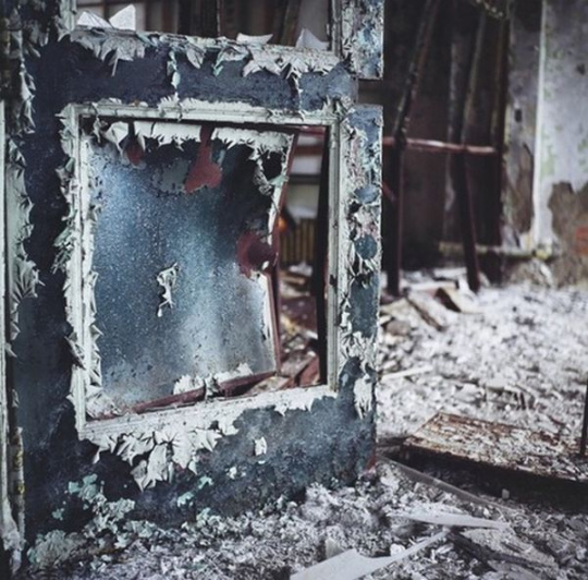 urban_decay_photography_11