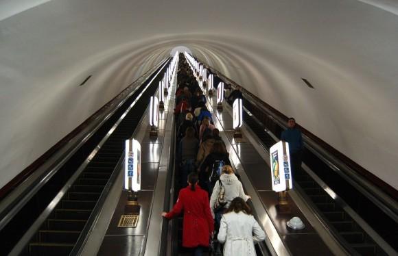 世界で一番深い地下鉄駅、ウクライナ「アルセナーリナ駅」とその他世界屈指の深い場所にある駅