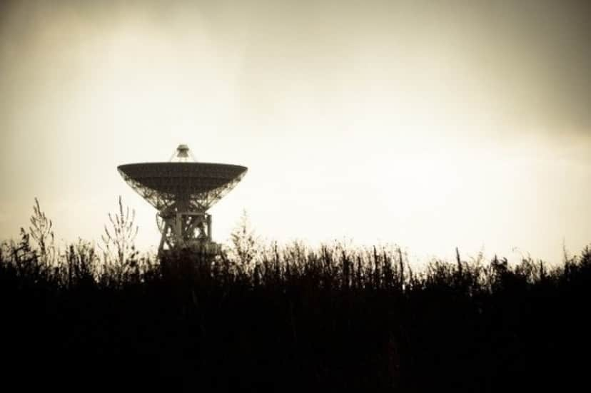 radio-telescope-1031303_640_e