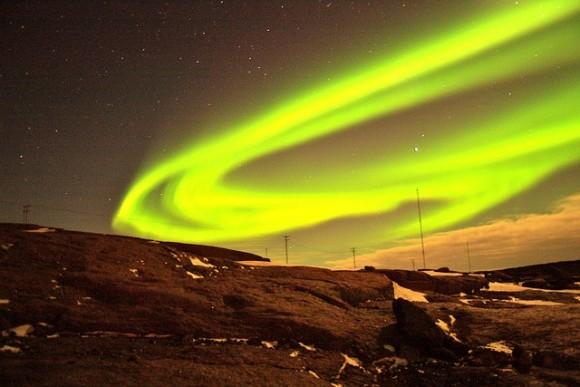 北極の磁場移動が加速。磁気モデルの修正を余儀なくされる