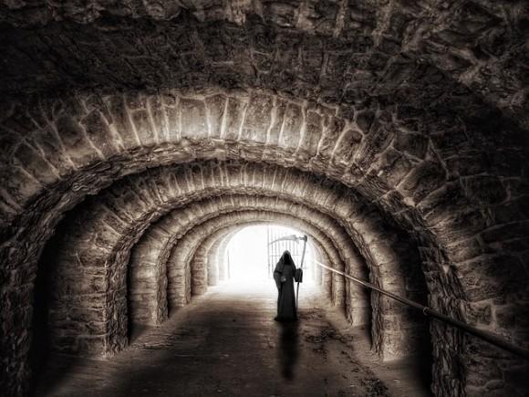 不可思議な体験は死の予兆だった。自分、あるいは他者の死の警告を受け取った10人の物語