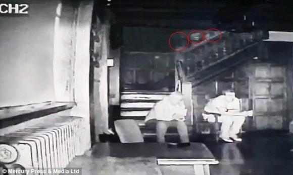 出る出ると評判の英国、スタンリー宮殿で3体の幽霊の心霊映像が撮影される