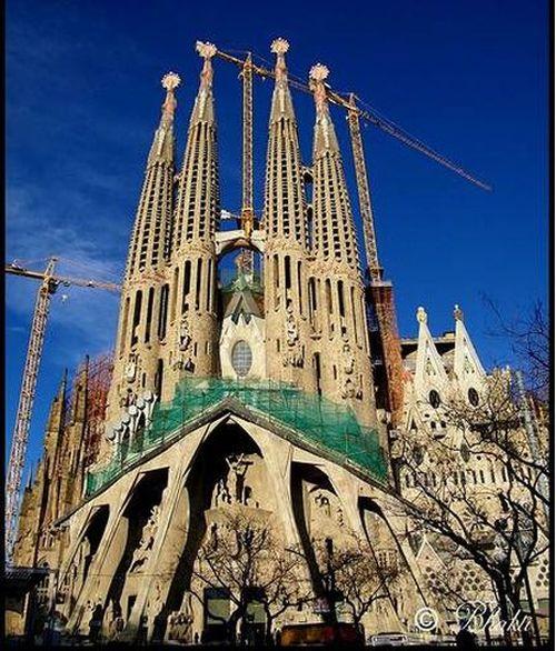 temple_expiatori_de_la_sagrada_familia_in_barcelona_18
