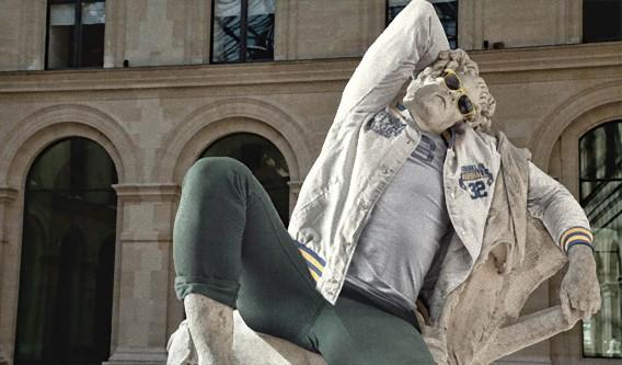 美術館にある有名な彫像に現代風の洋服を着せてみた