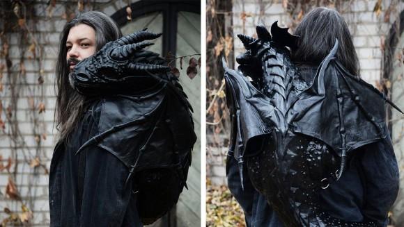 背中のドラゴンが囁くから・・・ペット感覚で連れて歩けるカスタムレザーのバックパック