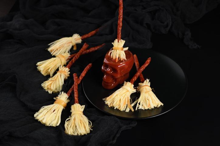 チーズと魔術の不思議な関係。チーズを使った呪術や占いが数多く存在した