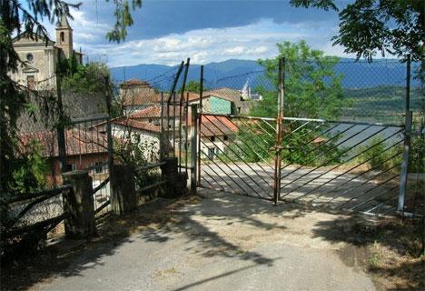 15-castelnuovo-sabbioni-deserted-village1