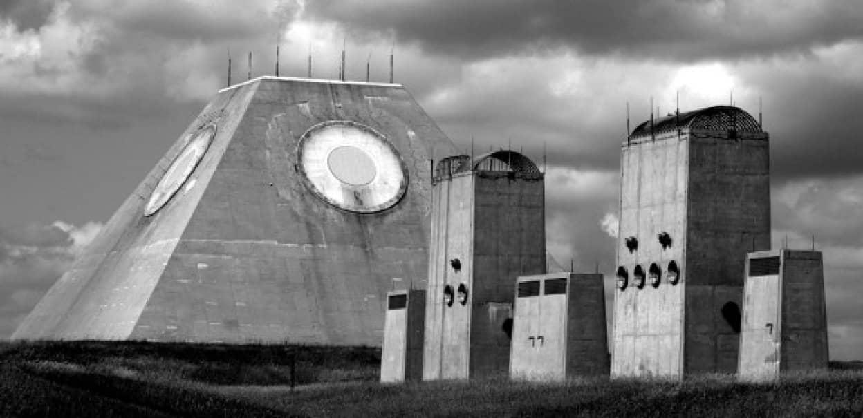 兵どもの夢の跡、世界14の軍施設廃墟 : カラパイア