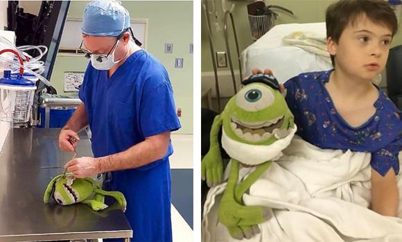 一緒に治療して一緒に元気になろうね。少年の大切なぬいぐるみと少年を同時に手術した医師(アメリカ)