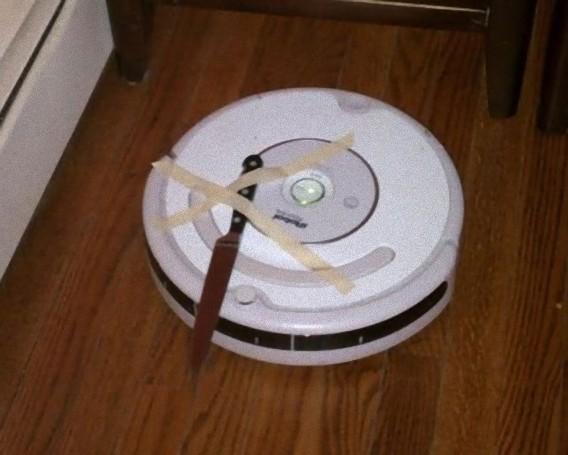 兵器として個人レベルで改良が進められている、お掃除ロボット「ルンバ」