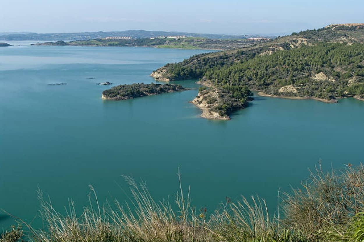 ダム湖の水位が下がり古代ローマ都市が出現
