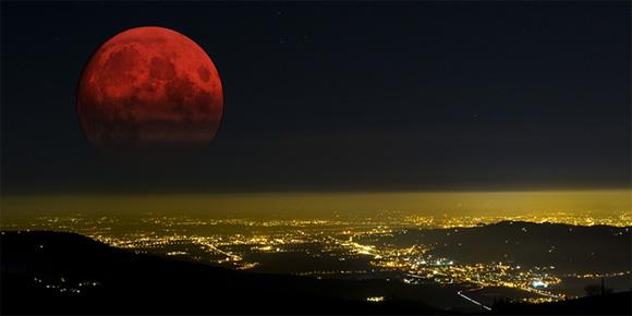 全米各地で観測された皆既月食、血のように赤い月「ブラッドムーン」の美しい写真と動画