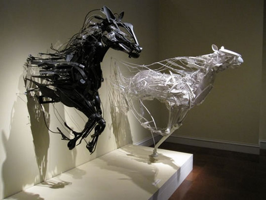 recycled-plastic-sculptures13