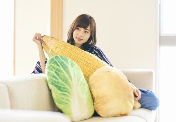 大収穫じゃないか!家の中が野菜に満ち溢れる生活。巨大お野菜クッション