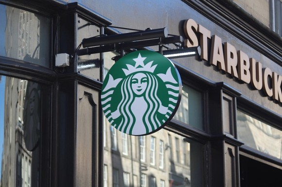 スターバックス、医療従事者に無料でコーヒーを提供