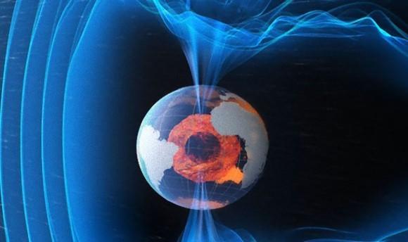 地球の磁極の反転が迫っている? 大規模な停電・電波障害が懸念される(米専門家)
