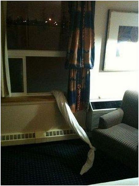 Hilarious-Hotel-Maid-Scare-Pranks-2
