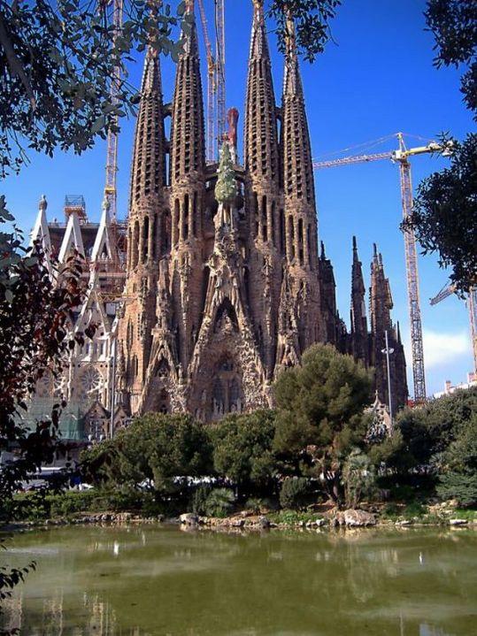 temple_expiatori_de_la_sagrada_familia_in_barcelona_14