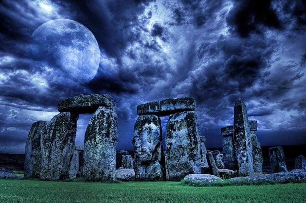 ストーンヘンジの巨石の構造分析、ほぼ破壊不能な古代の素材が使用されていた