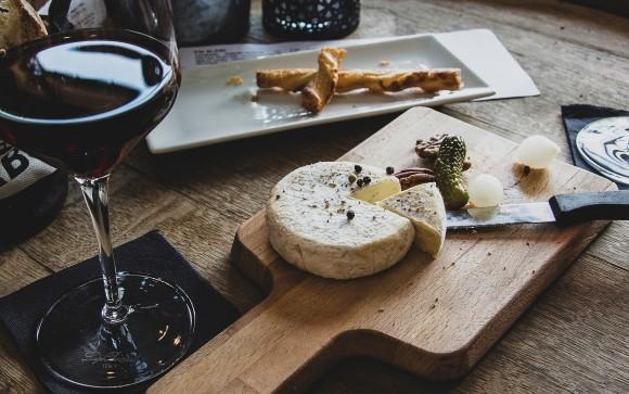 雑草からワインとチーズ