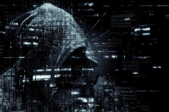 hacker-2300772_640_e