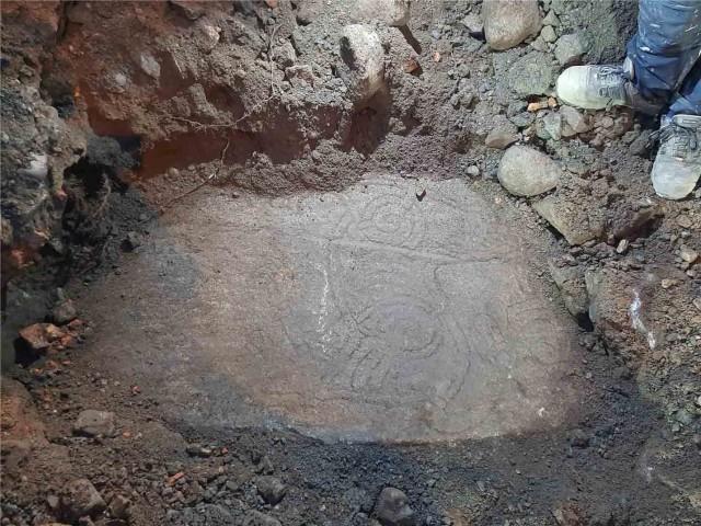 行方不明だったルーン石碑が発見される