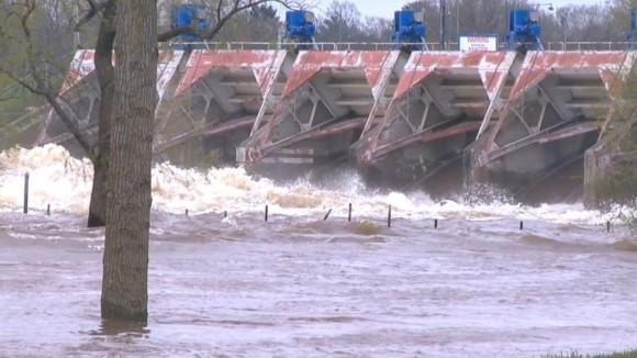 アメリカ・ミシガン州で豪雨。2つのダムが決壊し1万人以上が避難する大規模災害に