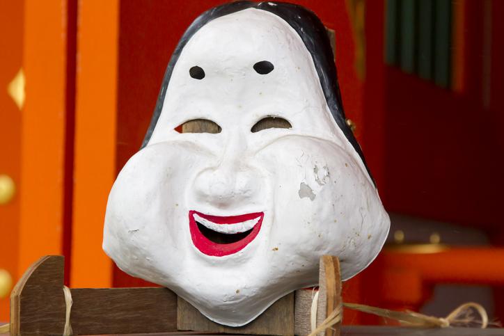 闇営業の美容整形医に工業用シリコンを注入された女性、顔が風船のように腫れあがる(ブラジル)